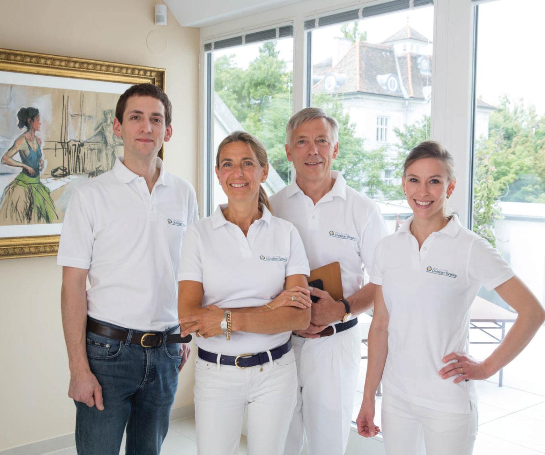 Dr. Christian Stracke - Team